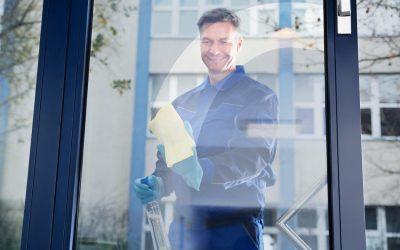 Pulizia vetrate in altezza: i vetri puliti aumentano il buon umore!
