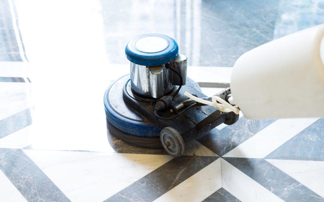 Marmo: i trucchi del mestiere per pulirlo e lucidarlo